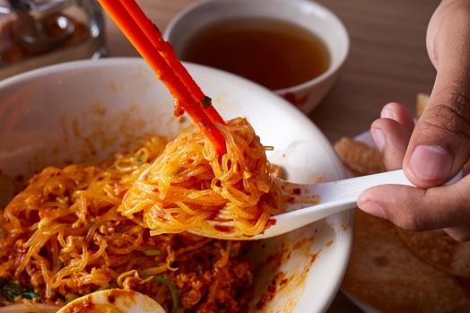 Dry creamy tom yum kurobuta pork noodle